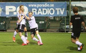 Vilt hemmajubel på Glysis när inhoppande debutanten Felix Örenhag avgjorde på stopptid.