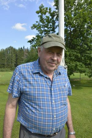 Göran Mattsson har arbetat som lärare i trä- och metallslöjd i 47 år och trivs fortfarande bra med yrket.