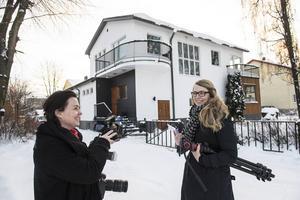 Ni kommer att få följa bostadspuls reportrar Maria Eilertsen och Therese Hasselryd när de besöker kända och okända Sundsvallsbor.