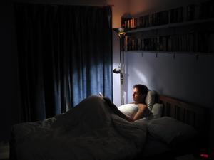 Är ni två i sängen, tänk på att sätta sänglamporna så att ni inte bländar varandra.
