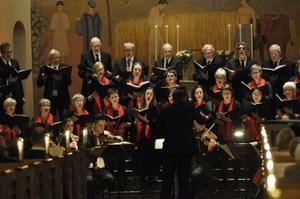 Örnsköldviks Motettkör, instrumentalensemble och sångsolister under dirigenten Niklas Jansson framförde delar av Händels Messias med den avslutande Hallelujakören i Örnsköldsviks kyrka på lördagskvällen.