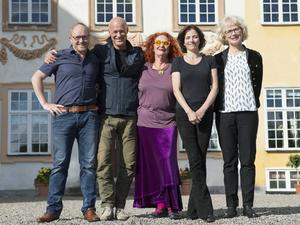 Årets stjärnor på SVT:s slott: Morgan Alling, Stefan Sauk, Claire Wikholm, Amanda Ooms och Marika Lagercrantz.