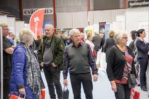 Kjell och Margareta Diffner var några av alla besökare som passade på att se vad seniormässan i Bombardier Arena hade att bjuda på.