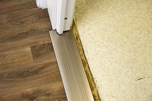 Det hårda golvet är bra, medan det mjuka är sämre ur hälsosynpunkt.