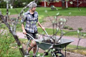 Annika Lindgren är trädgårdsmästare på Zorngården.