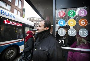 Nöjd. Faeq Ahmed och hans familj åker ofta buss. Han tycker planerna på att öka bussåkandet i Västerås är bra.