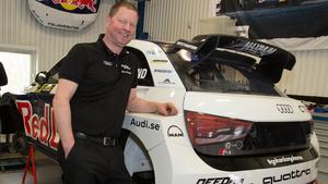 Janne Ljungberg har full koll på Mattias Ekströms rallycrossbilar.