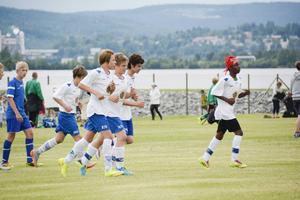 Bronsmatchen för pojkar 15 år stod mellan IFK Timrå och Sundvalls FF. Timrå vann med 4-1.