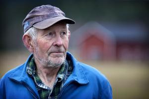 Nästan varje dag sedan 1968 har Sören Eriksson gått upp i ottan för att mjölka. Men även om han inte behöver göra det längre kommer han ändå att stiga upp tidigt. Det har han gjort sedan han var grabb.