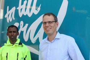 Abdi Nur och Christian Olhans, avdelningschef på Borlänge Energi.