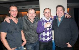 Blue Moon Bar. Morgan, Fredrik, Zlatan och Rikard.