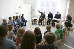 Birgitta Berggren, Rolf Persson och Kerstin Tirus berättade om sin och deras föräldrars skoltid i Tällbergs skola.