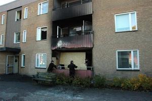 SNABBT FÖRLOPP. En ännu inte identifierad person omkom i branden på Hårstagatan i natt..