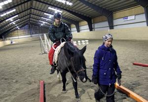 Ronny Wallin befarar att saknaden av hästridningen kommer att få slå tillbaks som en negativ reaktion hos de två killarna med särskilda behov på Picasso dagliga verksamhet.