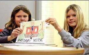 Danina Gröning och Johanna Ekström gick i gruppen för barn till separerade föräldrar. De fick vänner, barn i samma situation, som de fortfarande håller kontakt med.Foto: JOHNNY FREDBORG