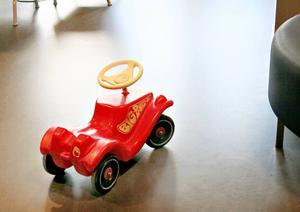 Många barn passerar i Migrationsverkets lokaler i Jägerso.