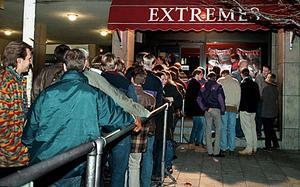 Ur arkivet. År 1994 ringlade köerna sig långa utanför Extremes.
