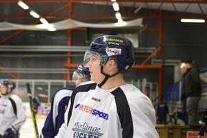 Patrik Elfsberg är tillbaka i Borlänge Hockey efter två säsonger i Hudiksvall.