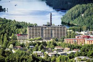 Den förlängda sammanslagningen av avdelning 16 och 17 på Sollefteå sjukhus skapar oro hos både personal och medborgare, skriver insändarskribenten.