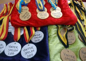 Medaljer som väntar på att delas ut.