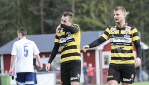 Skijlebo SK:s Anton Engström (vänster) visade upp sitt fina skott två gånger om i genrepet mot Söderhamns FF i söndags.