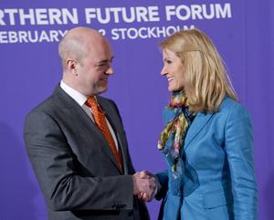Danskt föredöme? Danska statsministrar, som Helle Thorning Schmidt (S), är vana att sy ihop uppgörelser åt olika håll med flera partier. Blir det så också för Fredrik Reinfeldt (M) i Sverige?