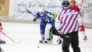 Tvärstopp för Johan Andersson.
