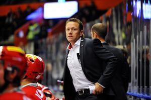 Modos assisterande tränare Jan-Axel Alavaara är inte helt nöjd med den poängskörd de spelat ihop efter 33 omgångar. Det fuskades under en period med detaljer vilket gjorde att de tappade flera matcher, anser han. Foto: Jennie Sundberg/arkiv
