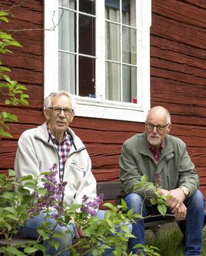 Jan-Erik Englund och John-Erik Eriksson vill visa allmänheten vad som finns inne i Fornhemmet.