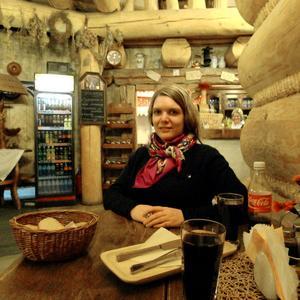 Kristin Ekström från Älvkarleby hoppas att hon kan resa tillbaka till Minsk den 1 september.