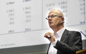 Ekonomichefen Kjell Nyström fanns på plats vid kommunfullmäktiges sammanträde för att redogöra för kommunens ekonomiska läge.