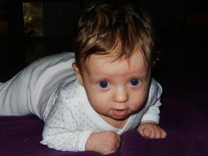 Min underbara, söta, härliga barnbarn Freja Narving Tjärnetorp 2 1/2 månad