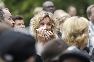 SORGLIGT. Föräldern Petra Sefbom kunde i går inte hålla tillbaka tårarna på Söderskolans avslutning.