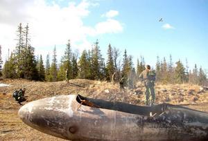 Över 200 hemvärnsmän deltog i en övning i Gäddedeområdet. Här är det ett flygplan som har störtat. Foto: Jonas Ottosson