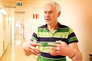 Olov Englund är distriktsläkare och medicinsk samordnare för primärvården i Region Jämtland Härjedalen, en roll som gett honom insyn i transporterna av patienterna vid olyckan.