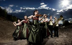 En osedvanligt musikalisk familj gör ett nedslag i Sellnäs Foto: x