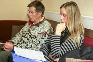 Kristina Bäck och Bengt Warensjö argumenterar för att kommunen ska stötta namninsamlingen.