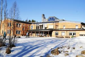 På den här förskolan i Svenstavik tillbringar Lars sina dagar. En arbetsplats som han trivs mycket bra med.