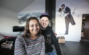 26 mars 2016, ett datum som är förevigat – bland annat genom bilden på väggen i bakgrunden. Bilden är tagen rakt västerut, i bakgrunden syns Åkersjön, Ansätten och så Norge längst bort.