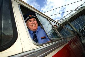 Morabor. Både GDG-bussen och föraren Jan Englund hör hemma i Mora.