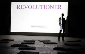 Tobias Sjöbergs videoverk Revolutioner visas på Färgfabriken Norr