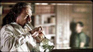 Ben Kingsley spelar en livskrisande psykiatriker, som som tar betalt i gräs av patienten Luke (Josh Peck).