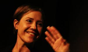 Johanna Ekström har skrivit om sina föräldrari senasteromanen.