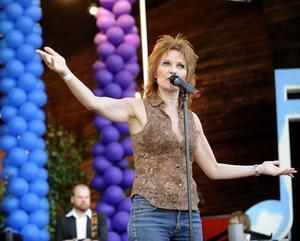 Anne-Lie Rydé uppträder på lördagskvällen under Söderhamn Pride.