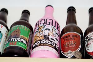 Rogue Voodoo Doughnut – som smakar baconlindad bratwurst. En av Slow Downs märkligaste ölsorter, bland de totalt 981.