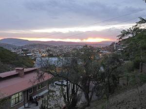Utsikt från barnbyn över Cochabamba.