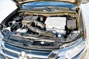 Bensinmotorn på 121 hl är inget kraftpaket. Men tillsammans med två elmotorer ger det totalt 203 hk.