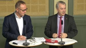 Johan Persson och Sven-Erik Bucht höll presskonferens i Stockholm om kommitténs förslag.