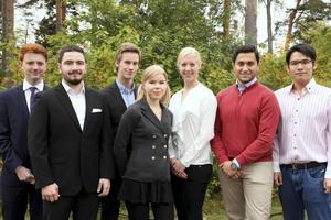 Faluns stipendiater (från vänster till höger): Joel Andreasson, Ebaa Asaad, Andreas Gustafsson, Caroline Hjertner, Olivia Norlin, Mustafa Al-Janabi och Jirapas Suwannopas.