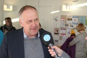 Jonas Sjöstedt (V) intervjuas av allehanda.se
